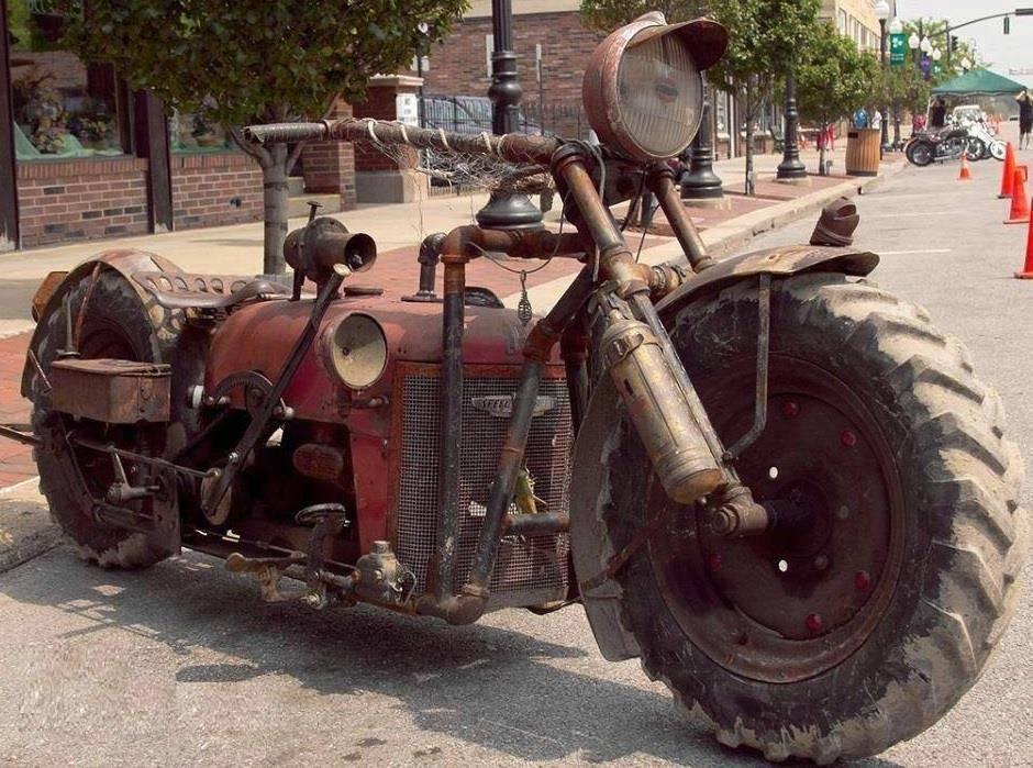 "Prestižni model bajčetinskog moto-kluba ""Traktori pakla"""