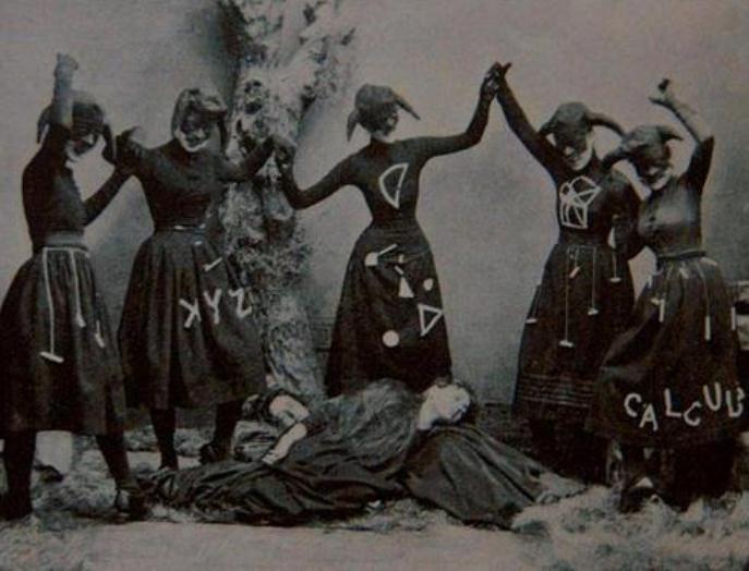 Žene u crnom obavile okultni ritual protiv RADULOVIĆA!