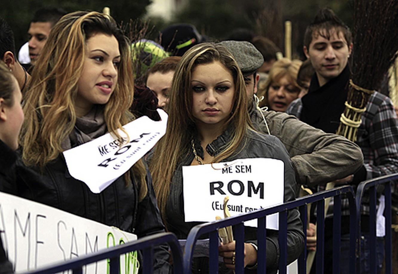 Posle proglašenja Brnabićke za premijera gejevi postaju strejt i prelaze u Rome!