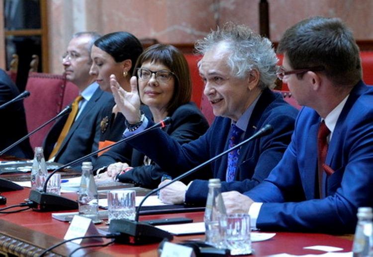 Lažna Jevrejka, Tasovac i Maja Gojković hoće da smene ministra Kulture!